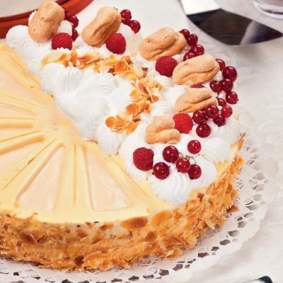 madc3a1rtej-torta-zila-formc3a1ban